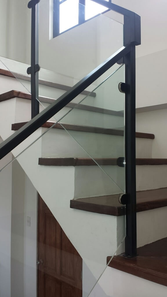 Glass Stair Railing Tagaytay Cavitetrail Glass Railings